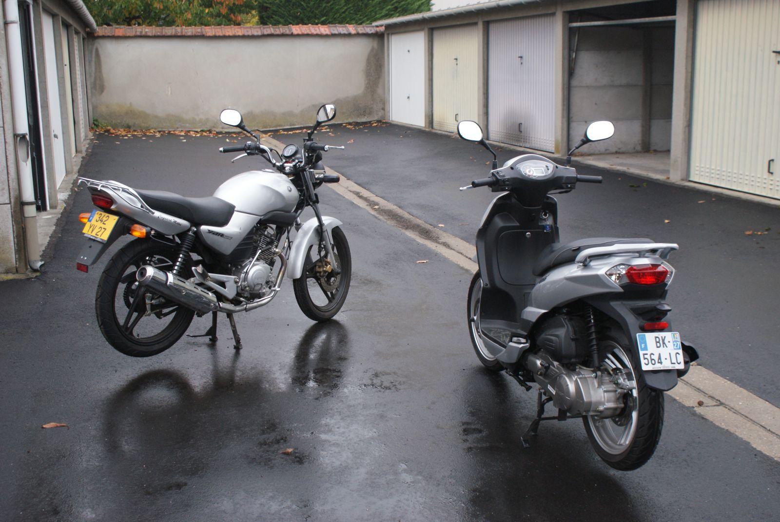 la Yamaha 125 et le Scooter 125 Peugeot