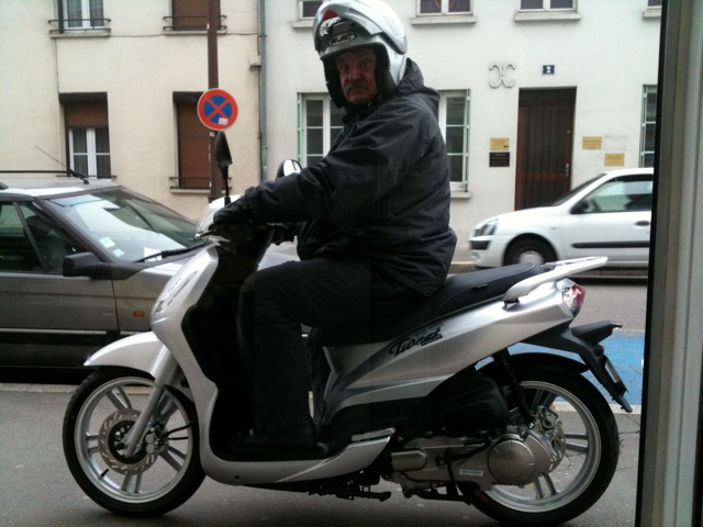 le scooter 125 Peugeot